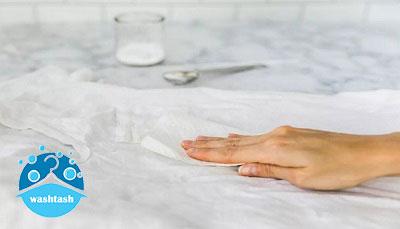 روش ها و ترفندهای پاک کردن لکه بنزین از روی لباس