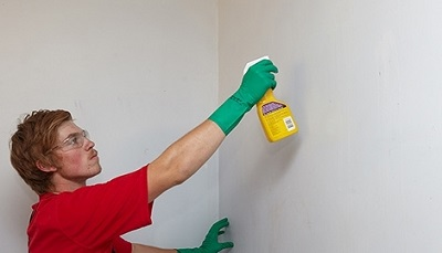 تمیز کردن دیوار گچی