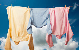 خشک کردن لباس برای بهترین روش برای از بین بردن بوی بد لباس