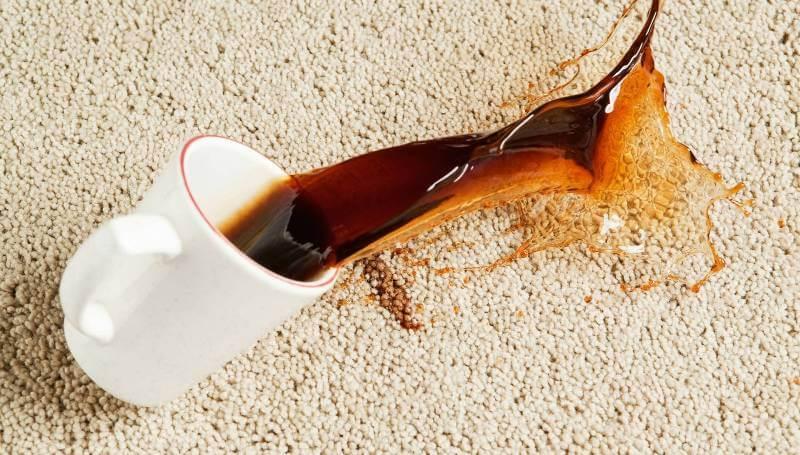 لکه قهوه و پاک کردن لکه از روی فرش