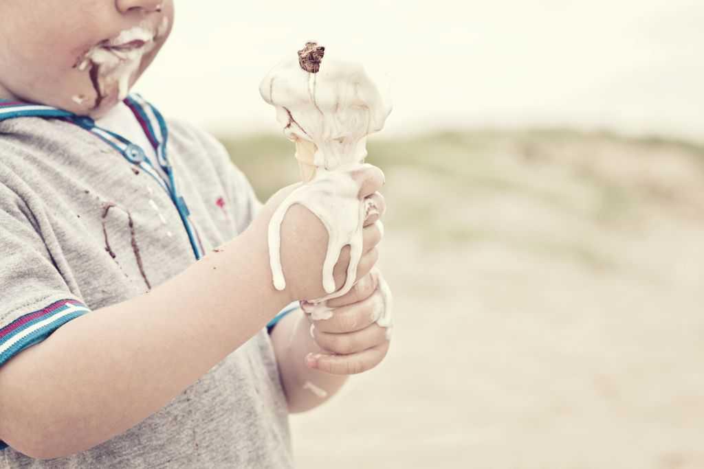 پاک کردن لکه بستنی از لباس